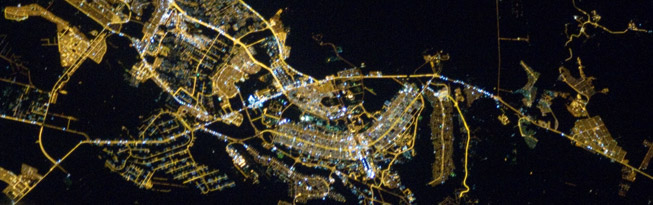 Brasília at night. Imagem by NASA. Original at: http://bit.ly/ZGFulY